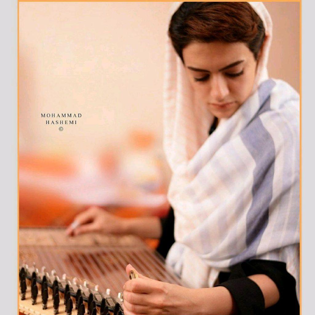 آموزشگاه موسیقی رازان - یاسمن نجم الدین